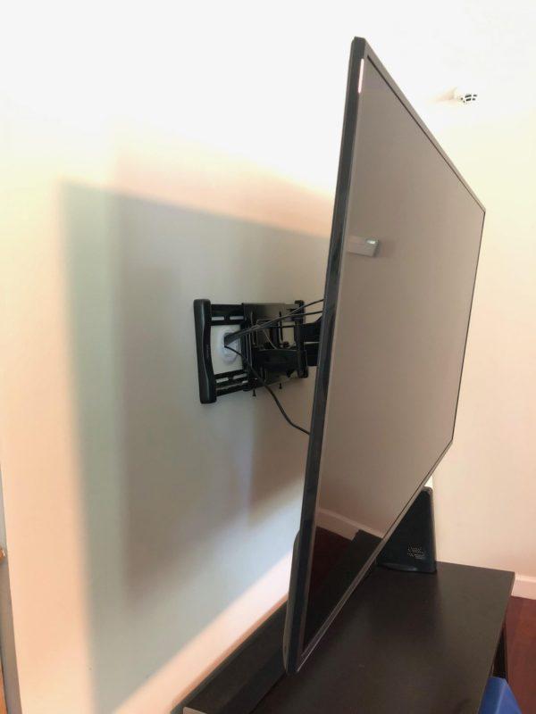 mounted tv on wall