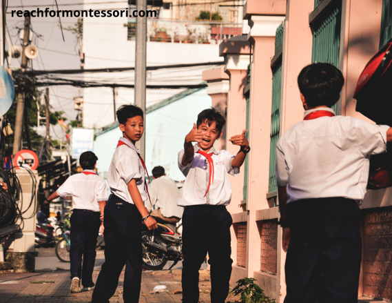 kids fighting in the street, an effect of permissive and inattentive parenting style