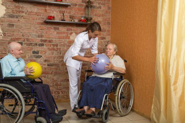 Ball tossing. Montessori in nursing homes.