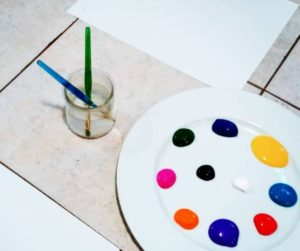 how to teach a child colors using paint and art supplies for kids