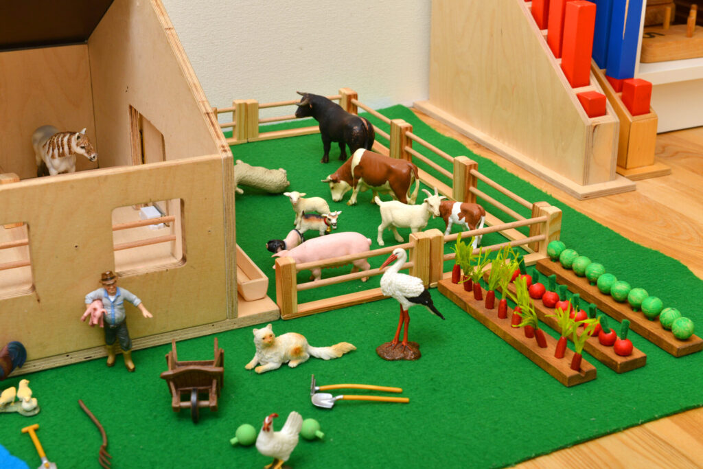 montessori farm for parts of speech Montessori language activities.